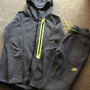 Nike sweatsuit Joggers & Jacket Size S